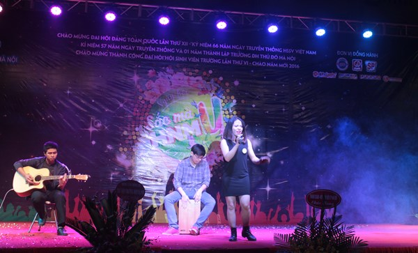 dem-hoi-sac-mau-hnmu-2016-17